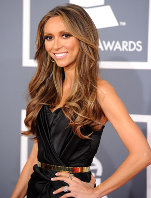 Giuliana rancic has cut her hair it looks better a lot zotheysay giuliana rancic then she had hair like this which hurt me a little inside because the balayage was too obvious and the extensions also pmusecretfo Gallery